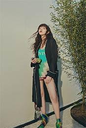 宋妍霏性感时尚写真图片