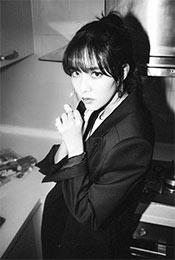 宋妍霏黑白时尚帅
