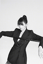 张天爱黑白酷炫时尚高清写真图片