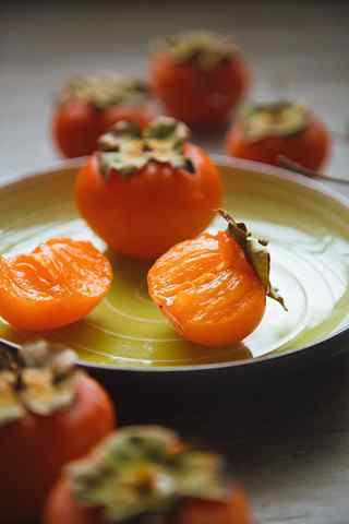 文艺美食之秋季养生水果柿子手机壁纸