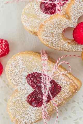 饼干爱心草莓果酱饼干手机壁纸