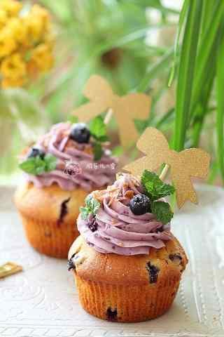 香浓蓝莓奶油蛋糕手机壁纸