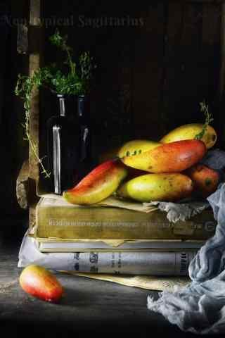 金黄饱满的芒果手