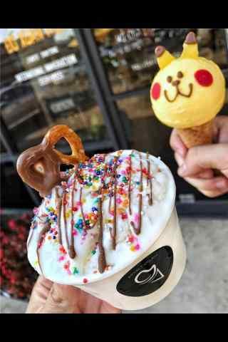 可爱冰淇淋手机壁