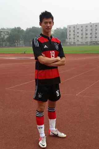 中国队周雨运动装