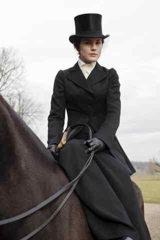 唐顿庄园大姐玛丽骑马高清剧照手机壁纸