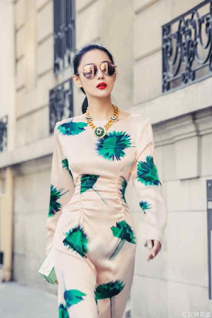 张馨予仙气长裙气质优雅性感时尚写真