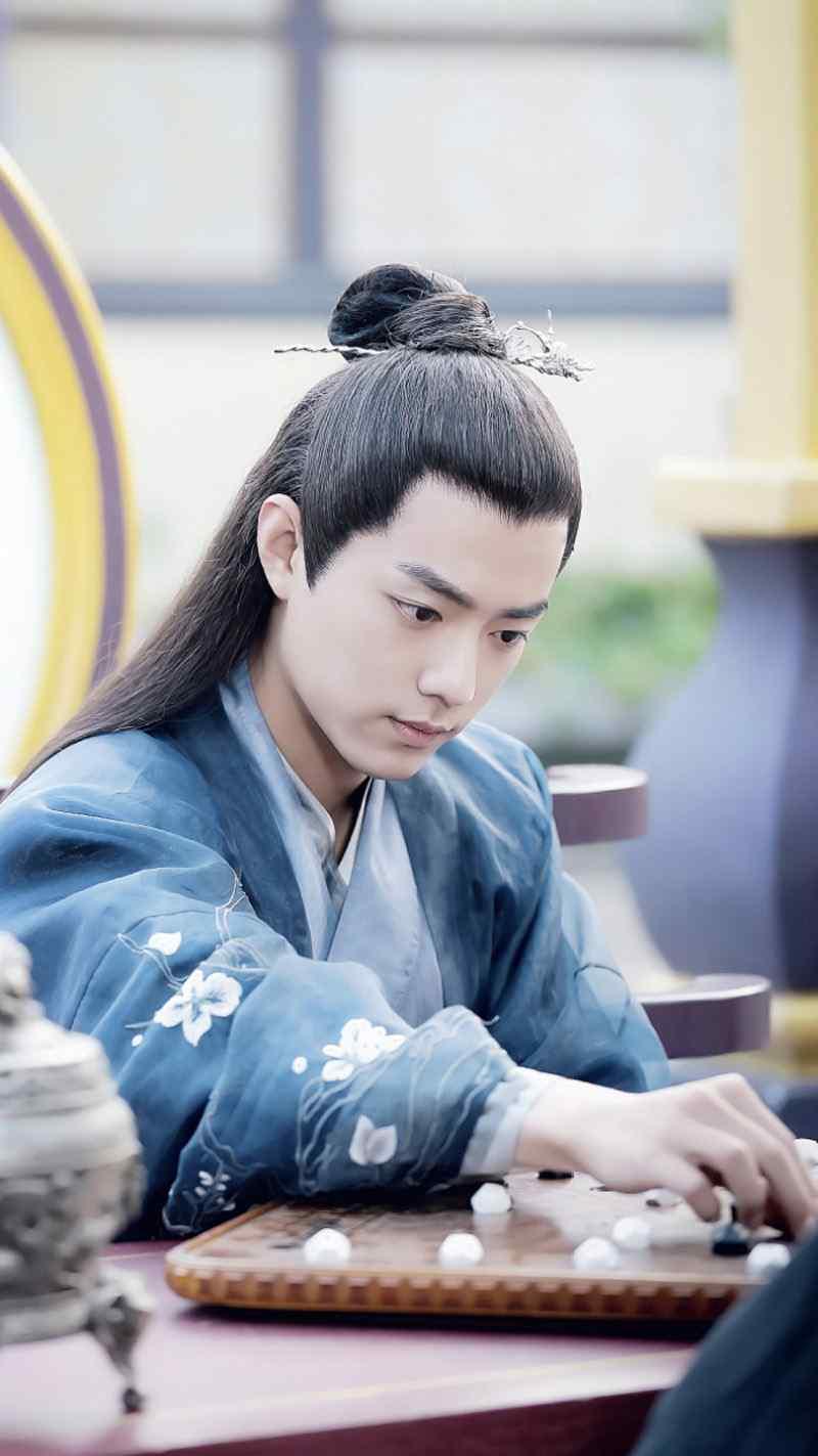 肖战《哦我的皇帝陛下》文艺儒雅剧照图片