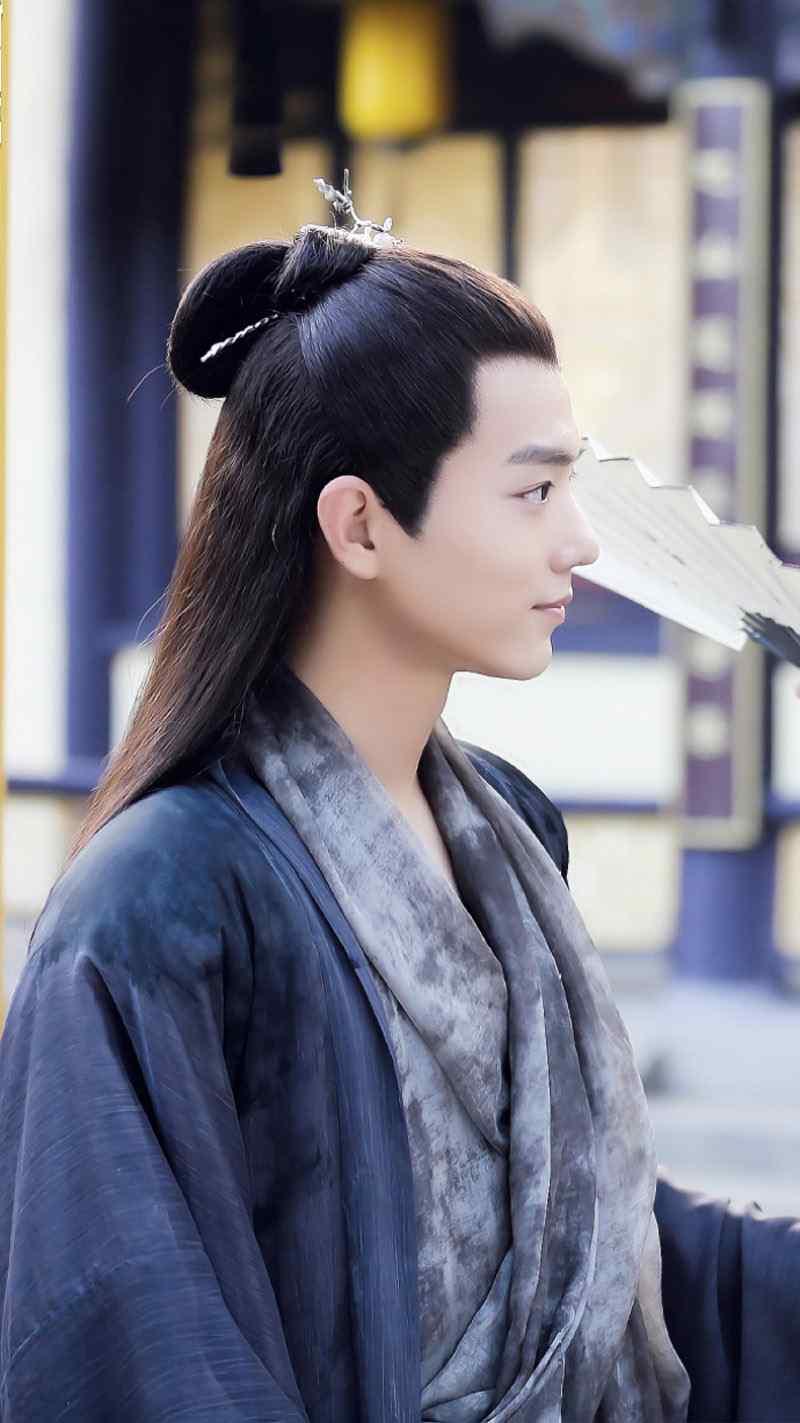 肖战《哦我的皇帝陛下》帅气剧照图片