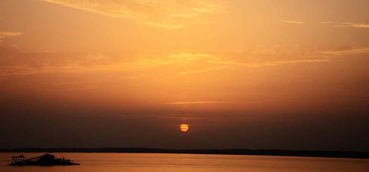 唯美的洞庭湖夕阳风景屏保