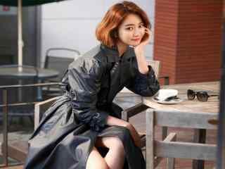 黑色风衣甜美写真