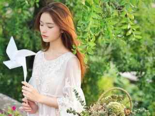 美女女星林允白裙