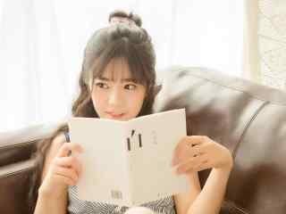 日系甜美可爱的美女写真桌面壁纸