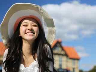 元气美女陈意涵草帽活力照片桌面壁纸