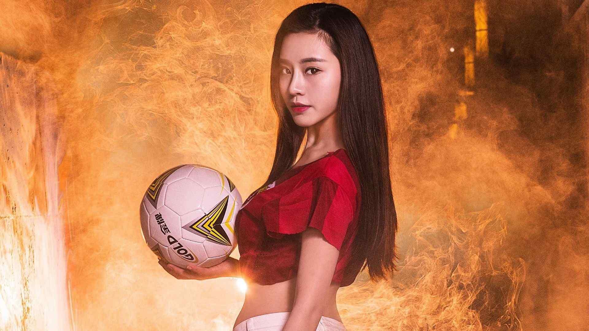 足球宝贝妍子沁性感写真壁纸图片下载