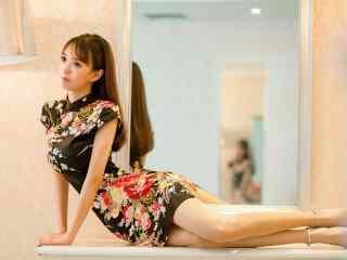 长腿旗袍美女性感写真桌面壁纸