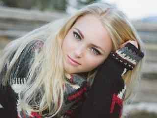 欧美美女微笑女孩桌面壁纸