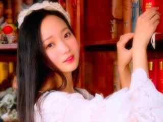 清纯长发美女甜美写真桌面壁纸图片下载