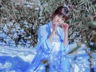 小清新古装汉服美女雪景写真桌面壁纸