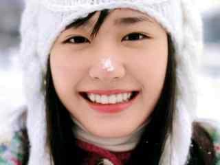 日本美女新垣结衣雪地清纯可爱图片桌面壁纸