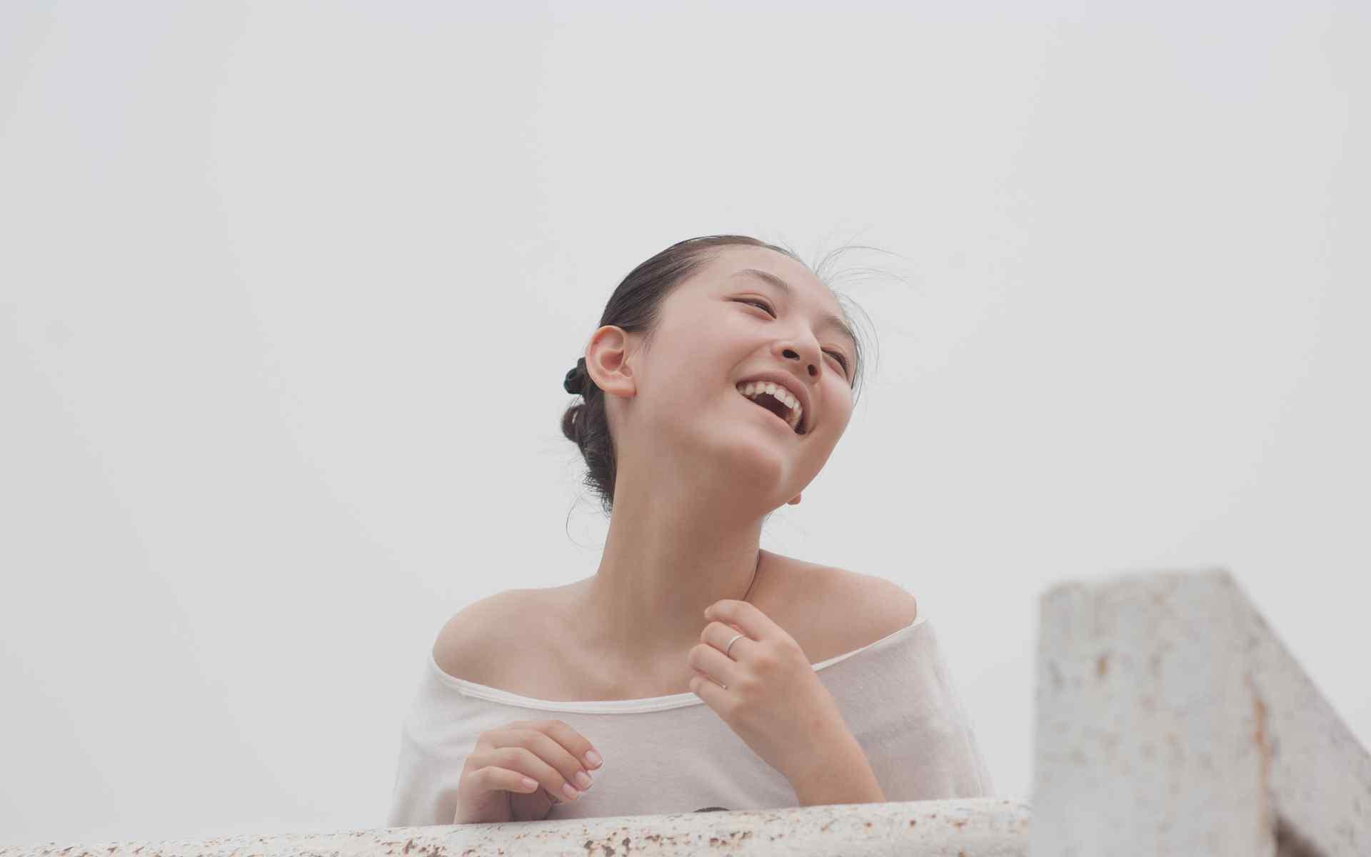 武大校花女神吴倩清新写真图片桌面壁纸
