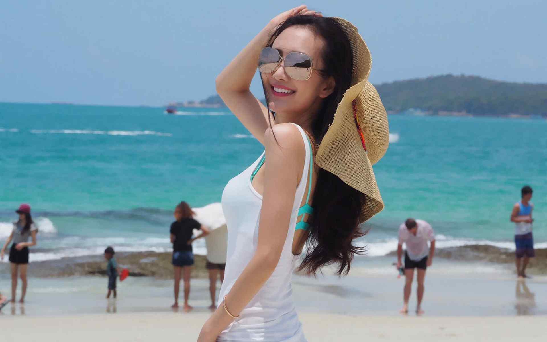 王鸥沙滩写真图片桌面壁纸