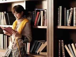 蔡卓妍小清新写真桌面壁纸