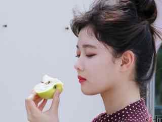 韩国美女演员金裕贞写真桌面壁纸