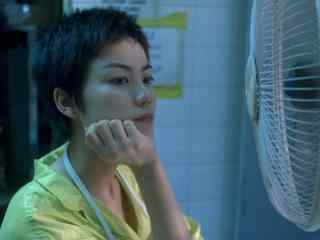 王菲《重庆森林》短发电影剧照高清桌面壁纸