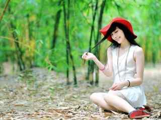 短裙美女田园林间写真图片