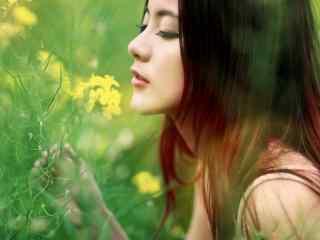 完美侧脸的田园美女图片