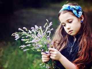 欧美小萝莉美女田园写真图片