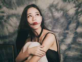复古红唇美女性感写真图片桌面壁纸