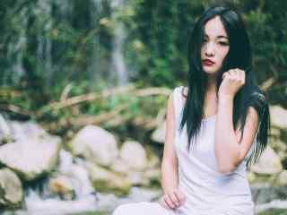小清新长发美女复古红唇妆图片桌面壁纸