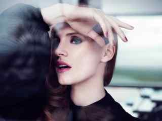 欧美精致红唇妆美女图片桌面壁纸