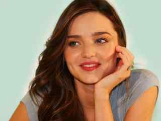 米兰达可儿甜美笑容写真图片桌面壁纸