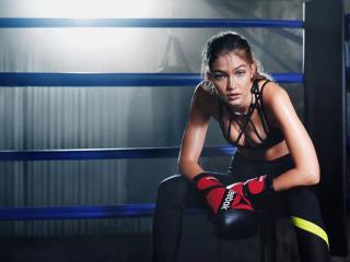 美女模特gigi hadid性感拳击装写真图片