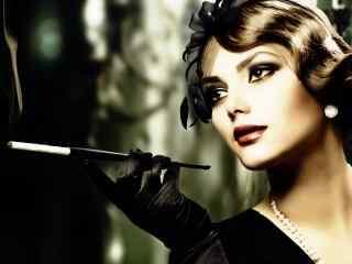 欧洲古典美女抽烟