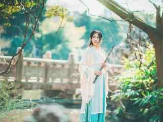 汉服褙子—微风吹拂下的少女桌面壁纸