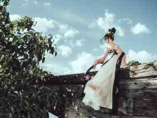 汉服齐胸儒裙—少女坐在围墙上晃脚桌面壁纸