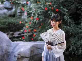汉服交领儒裙—清纯少女游园桌面壁纸