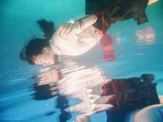 JK制服—水中少女倩丽倒影桌面壁纸