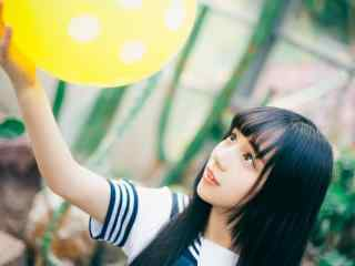 JK制服—可爱小姐姐玩气球桌面壁纸
