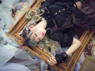 lolita洋装—少女精致睡脸桌面壁纸