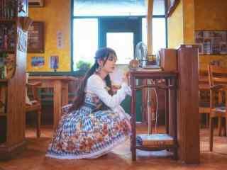 lolita洋装—少女清纯可爱模样桌面壁纸