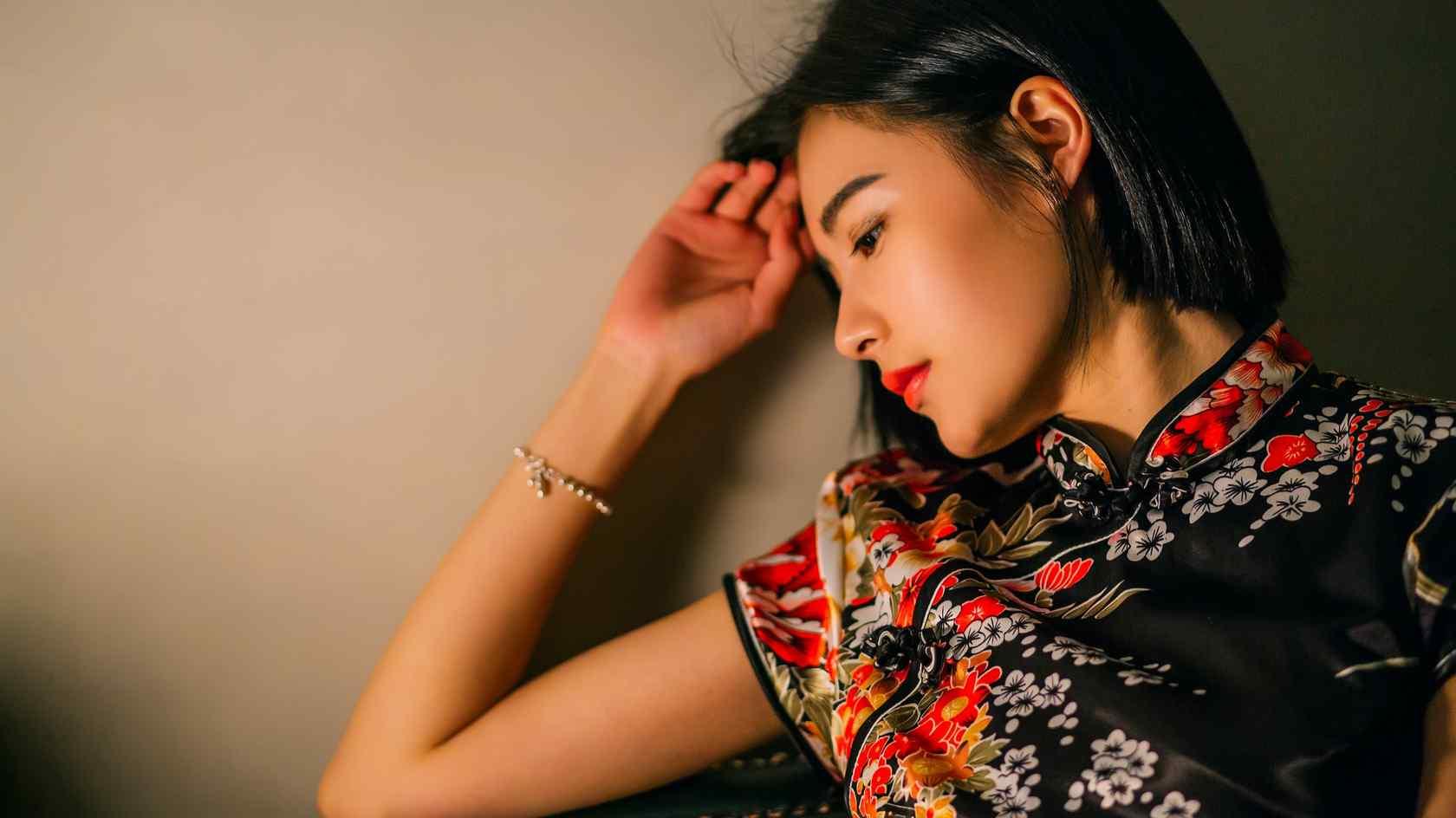 旗袍—复古旗袍女神桌面壁纸