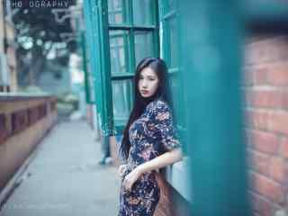旗袍—清新美女优雅桌面壁纸