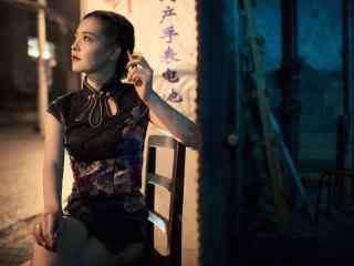 旗袍—知性典雅的美女桌面壁纸