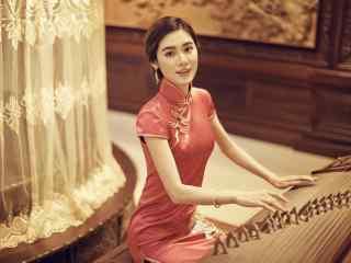 旗袍—弹奏古筝的美女桌面壁纸