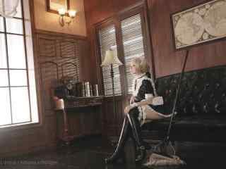 女仆装—动漫少女cos桌面壁纸